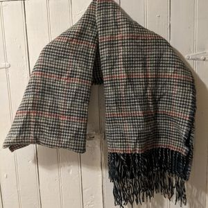 Revearsable scarf